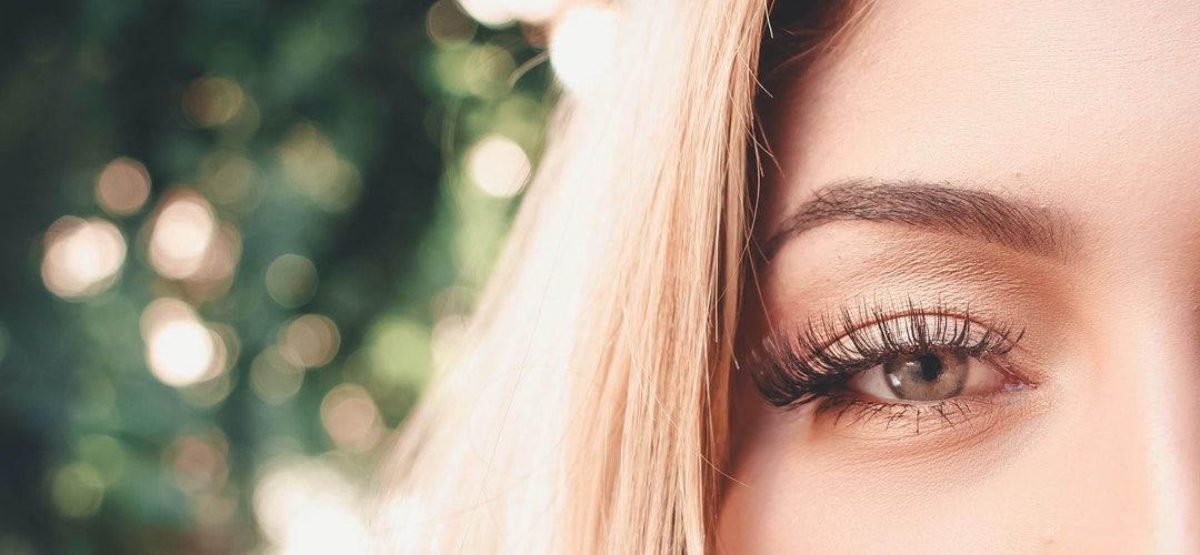 How to Prevent Thinning Eyelashes